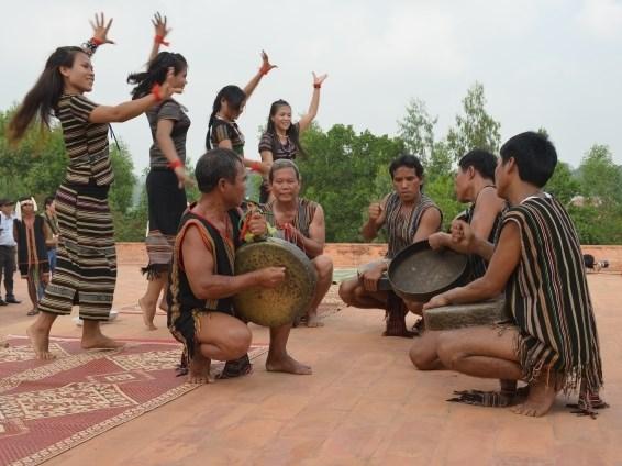 Lancement d'un concours d'ecriture de chansons sur les ethnies minoritaires et les regions montagneu hinh anh 1