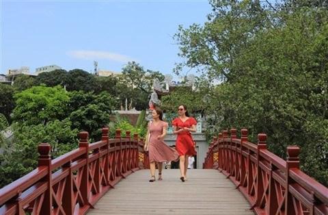 Hanoi table sur 11 millions de touristes vietnamiens en 2e semestre hinh anh 1