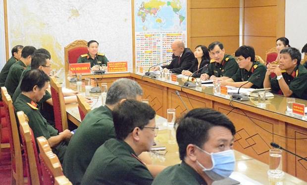COVID-19 : La medecine militaire du Vietnam et de l'Afrique du Sud elargit leur cooperation hinh anh 1