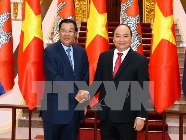 Le Premier ministre cambodgien Samdech Techo Hun Sen termine sa visite officielle au Vietnam hinh anh 1