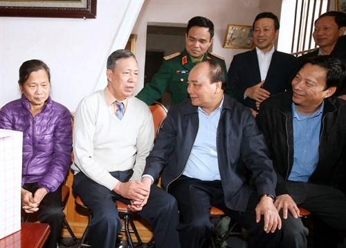 Le Premier ministre Nguyen Xuan Phuc travaille a Quang Ninh hinh anh 2