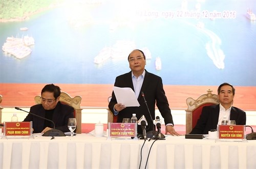 Le Premier ministre Nguyen Xuan Phuc travaille a Quang Ninh hinh anh 4