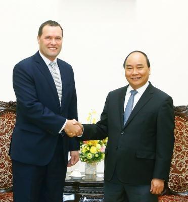 Le Premier ministre Nguyen Xuan Phuc recoit l'ambassadeur tcheque hinh anh 1
