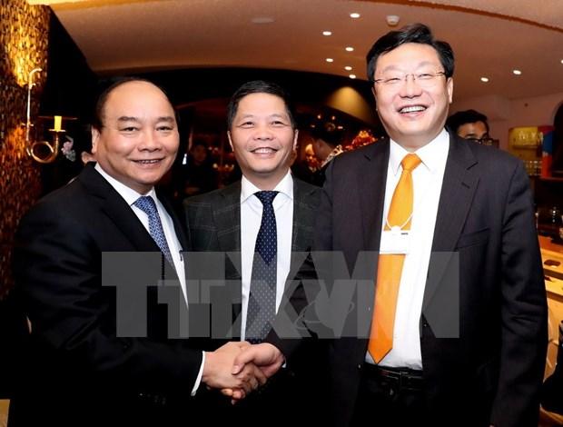 A Davos, le PM Nguyen Xuan Phuc depeint sa vision de la croissance hinh anh 1