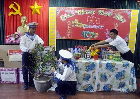 Le district insulaire de Truong Sa attend le Tet du Coq hinh anh 2