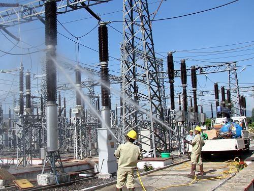 Pres de 941 millions de dollars pour ameliorer la transmission d'electricite en 2017 hinh anh 1