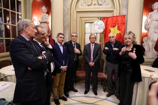 Une rencontre a Turin met en avant les relations Vietnam-Italie hinh anh 1