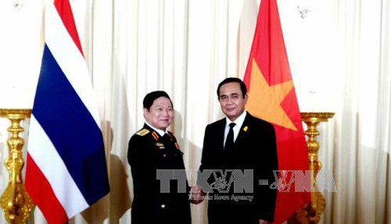Promotion de la cooperation dans la defense Vietnam-Thailande hinh anh 1