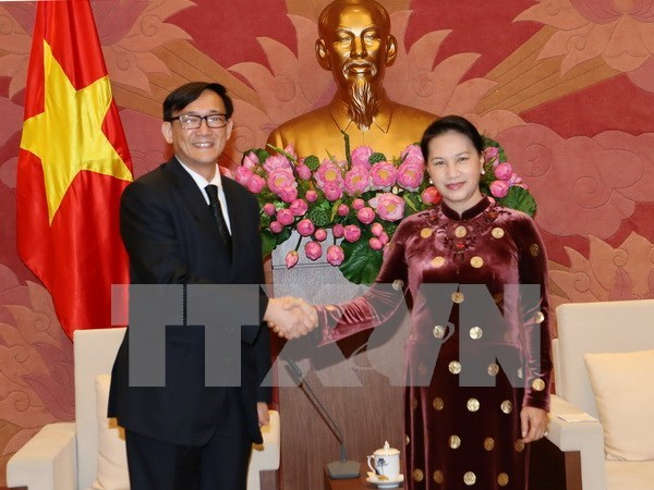 La presidente de l'AN recoit les diplomates japonais et thailandais hinh anh 2