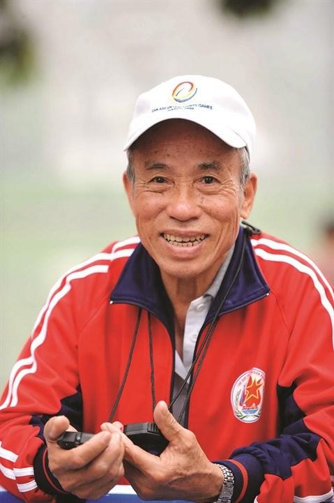 Athletisme: Bui Luong, une figure du marathon vietnamien hinh anh 1