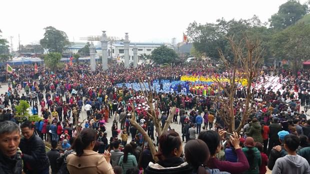 La fete du temple de Cua Ong, patrimoine culturel, attire la foule hinh anh 4