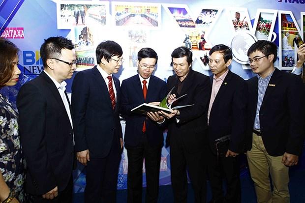 La Fete nationale de la presse 2017 s'ouvre a Hanoi hinh anh 3
