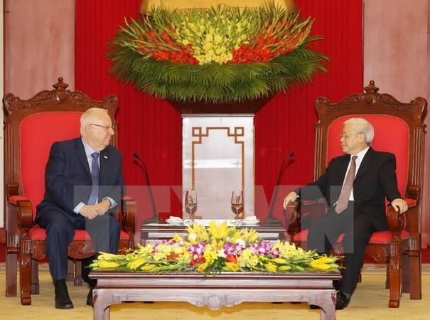 Des dirigeants vietnamiens recoivent le president israelien hinh anh 1