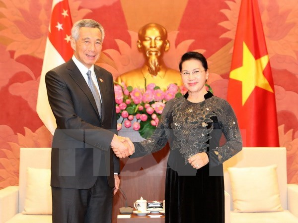 """La visite du PM singapourien """"porte le partenariat strategique a un nouveau palier"""" hinh anh 1"""