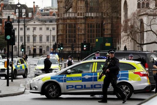 Attaque a Londres : le Vietnam adresse ses condoleances au Royaume-Uni hinh anh 2