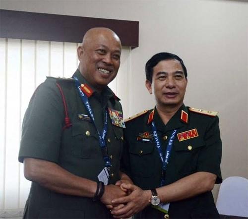 Le Vietnam et la Malaisie veulent developper leur cooperation dans la defense hinh anh 2