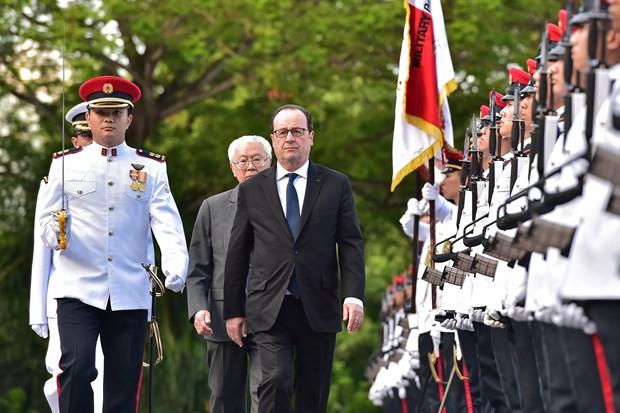 """En tournee en Asie du Sud-Est, le president francais appelle a """"intensifier la relation Europe-Asie"""" hinh anh 1"""