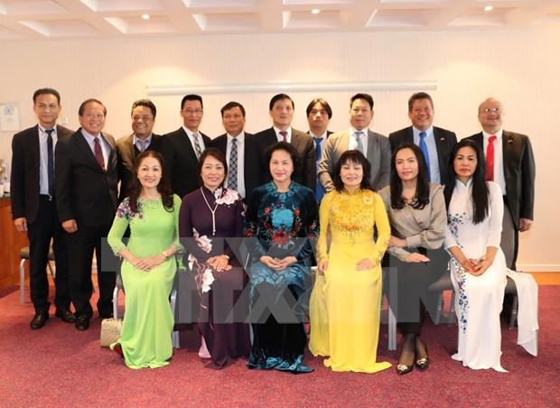 La presidente de l'AN Nguyen Thi Kim Ngan rencontre des Vietnamiens d'Europe hinh anh 1
