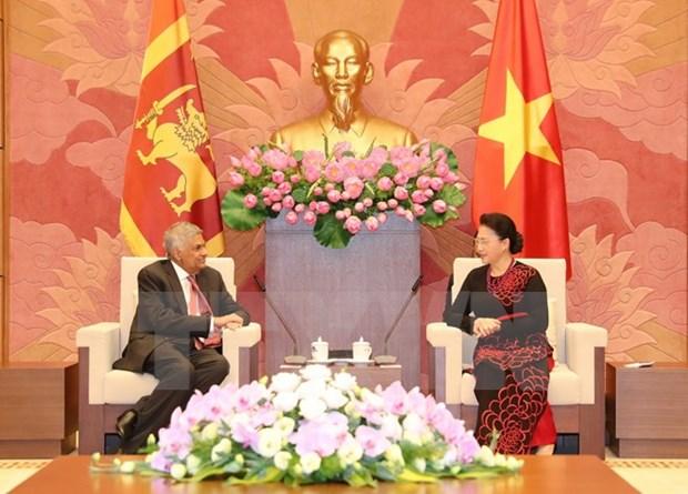 Des dirigeants vietnamiens recoivent le Premier ministre sri lankais hinh anh 3