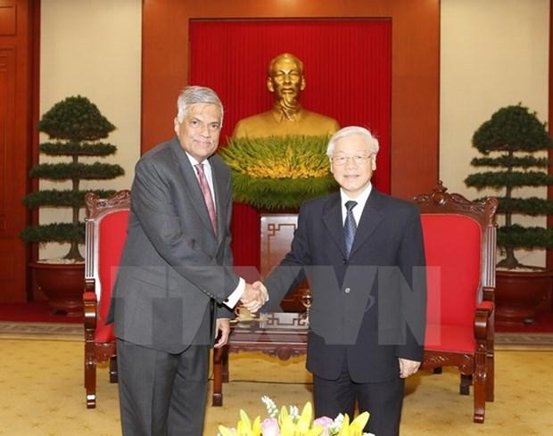 Des dirigeants vietnamiens recoivent le Premier ministre sri lankais hinh anh 1