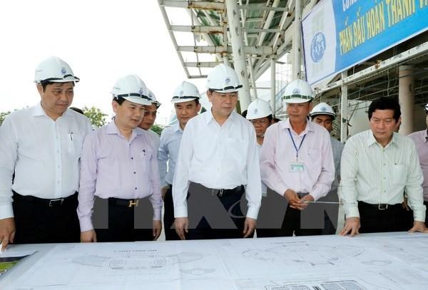 Le president inspecte les preparatifs de la Semaine des dirigeants de l'APEC hinh anh 2