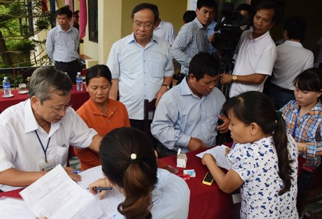 Les pecheurs indemnises vaquent a leurs affaires a Thua Thien-Hue hinh anh 1