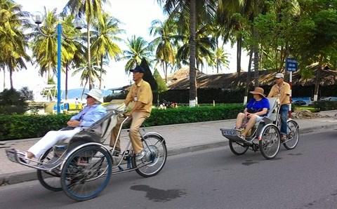Le manque recurrent de personnel inquiete le tourisme de Khanh Hoa hinh anh 1