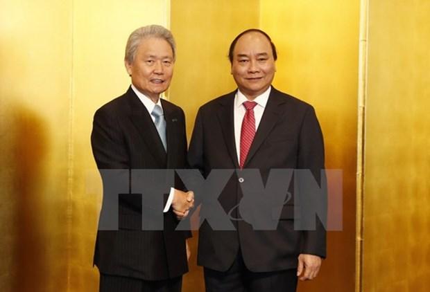 Le PM Nguyen Xuan Phuc travaille avec la Keidanren, part pour Osaka hinh anh 1