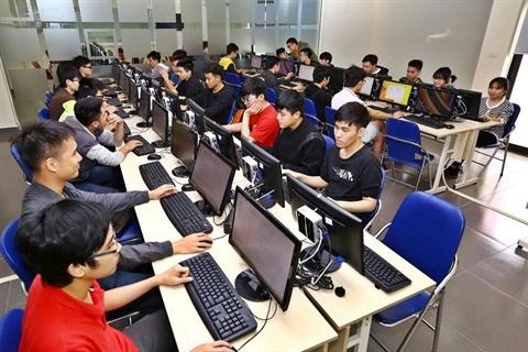 Les technologies informatiques engagent a tour de bras hinh anh 1