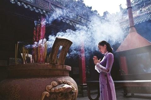 Tenue correcte exigee a l'entree des temples a Hanoi hinh anh 2