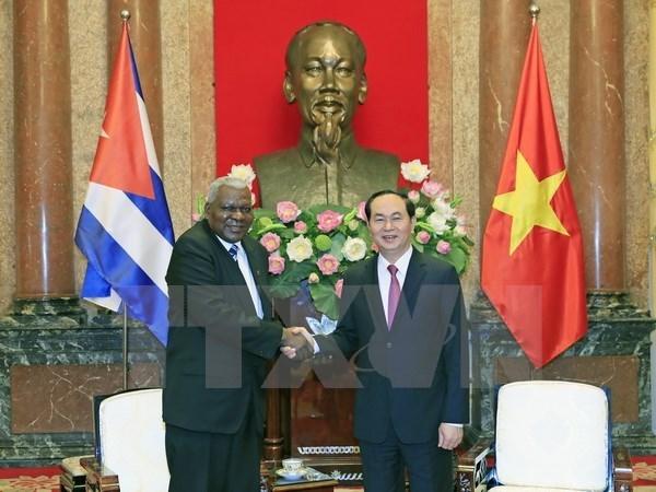 Le president Tran Dai Quang recoit le president de l'AN cubaine hinh anh 1