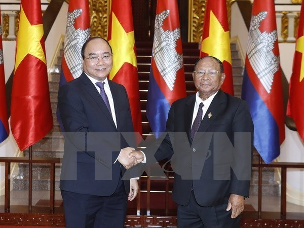 Vietnam-Cambodge : Promouvoir les relations de solidarite speciale et de cooperation multiforme hinh anh 1