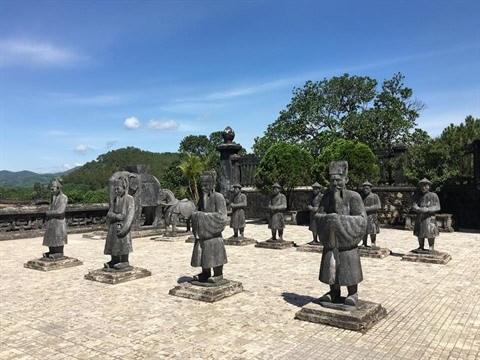 Le tombeau de Khai Dinh, un chef-d'œuvre architectural a Hue hinh anh 1