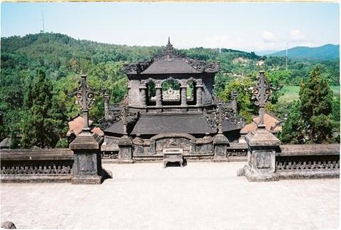Le tombeau de Khai Dinh, un chef-d'œuvre architectural a Hue hinh anh 2