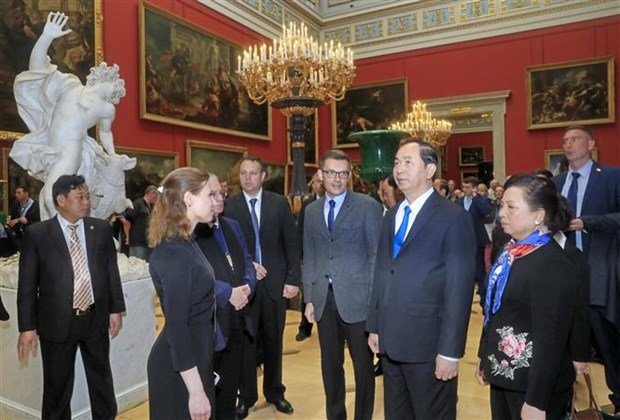 Le president Tran Dai Quang poursuit ses activites a Saint-Petersbourg hinh anh 2