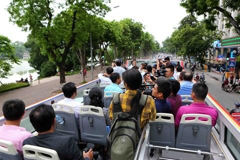 Decouvrez le meilleur de la capitale vietnamienne en bus a imperiale hinh anh 2