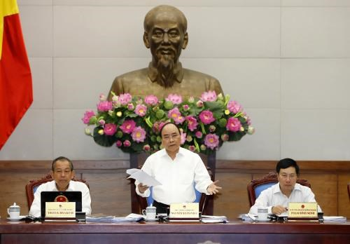 Le chef du gouvernement veut deleguer plus de pouvoirs aux echelons inferieurs hinh anh 1