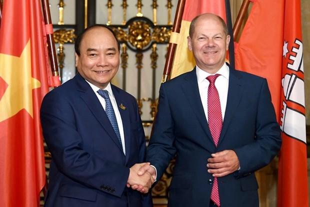 Le PM Nguyen Xuan Phuc encourage les entreprises hambourgeoises a investir au Vietnam hinh anh 1