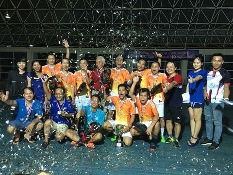 Un tournoi de football d'amitie Vietnam-France qui en appelle d'autres hinh anh 4