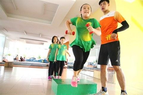 Une classe de sport pour aider nos enfants a bien grandir hinh anh 1