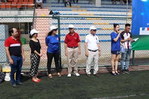 Un tournoi de football d'amitie Vietnam-France qui en appelle d'autres hinh anh 2