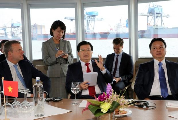 Le Vietnam veut acquerir des experiences portuaires neerlandaises hinh anh 1