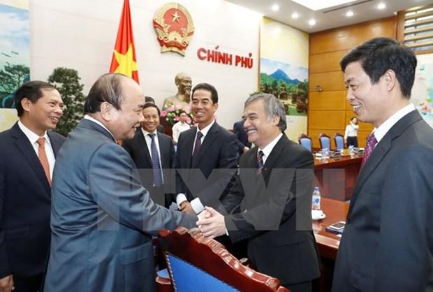Le Premier ministre recoit les nouveaux ambassadeurs vietnamiens hinh anh 1