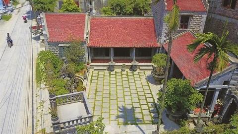 A Ninh Binh, une maison en pierre centenaire qui ne laisse pas de marbre hinh anh 1