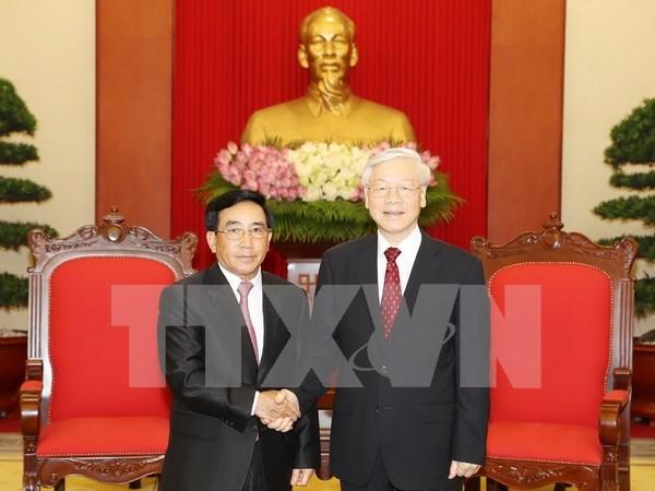 Les dirigeants vietnamiens recoivent le vice-president laotien Phankham Viphavanh hinh anh 1