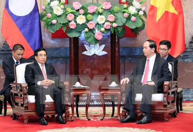 Les dirigeants vietnamiens recoivent le vice-president laotien Phankham Viphavanh hinh anh 2