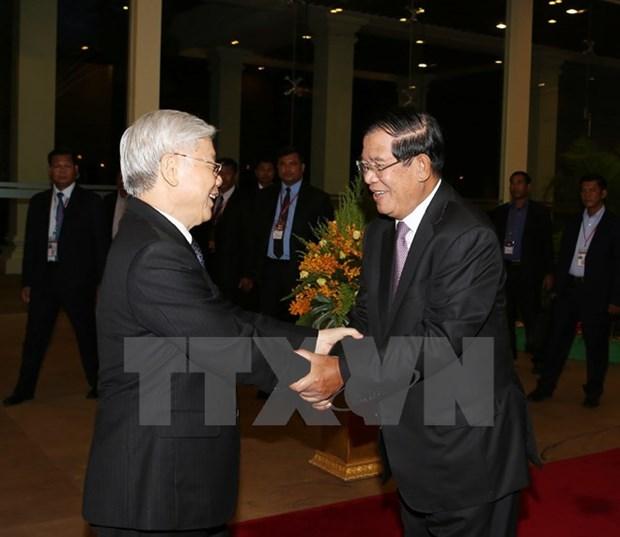 Hun Sen pour l'intensification de l'amitie et de la cooperation Vietnam - Cambodge hinh anh 1