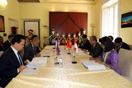 Le Vietnam acheve sa presidence du Comite de l'ASEAN a Rome hinh anh 1