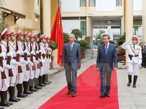 Vietnam-Russie : renforcement des relations de cooperation dans la securite hinh anh 1