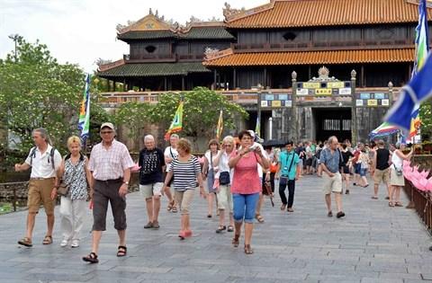 Le nombre de touristes etrangers au Vietnam en hausse de 21% en juillet hinh anh 1